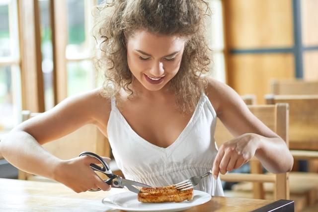 胸 の 肉 を 減らす 筋 トレ